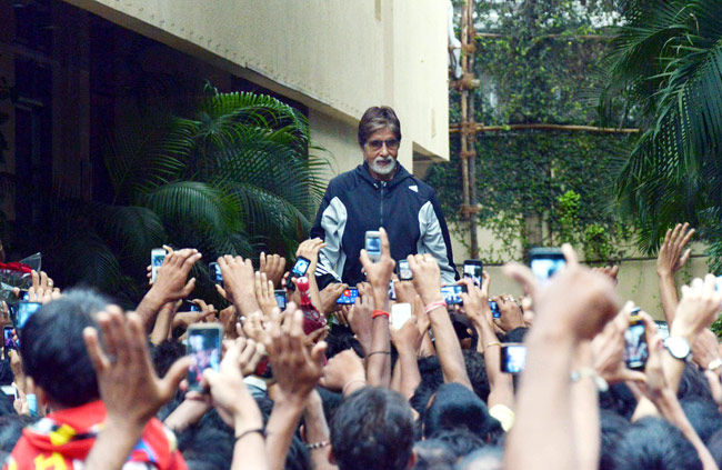 Amitabh Bacchan and his fans