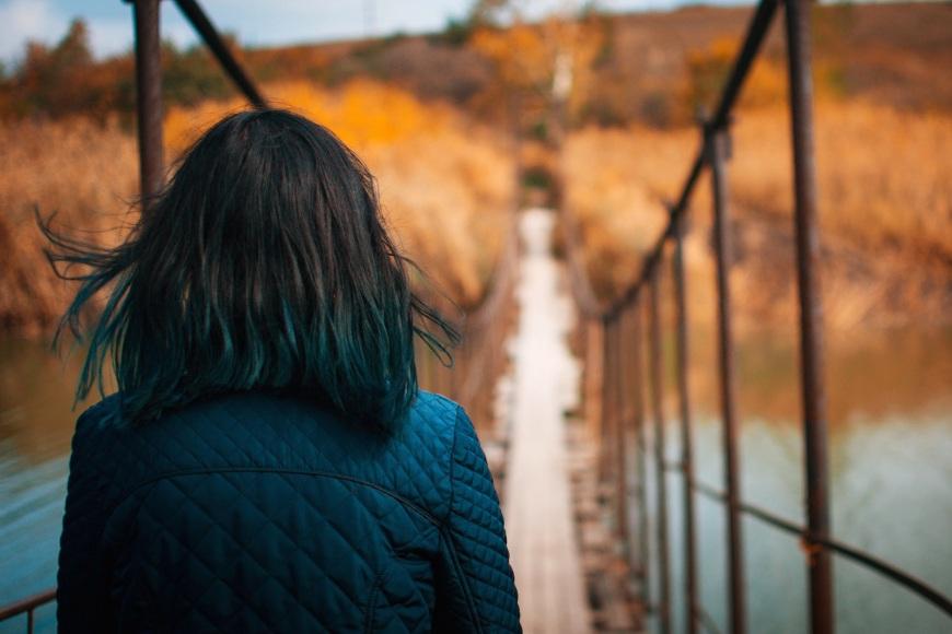 woman-bridge