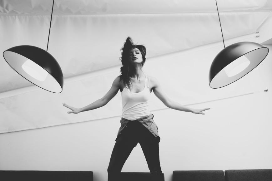 woman-lights